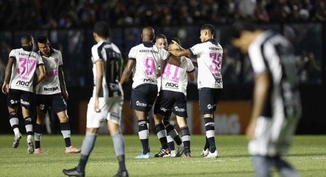 Última vitória do Vasco, em casa, foi sobre o Botafogo, em meados de outubro
