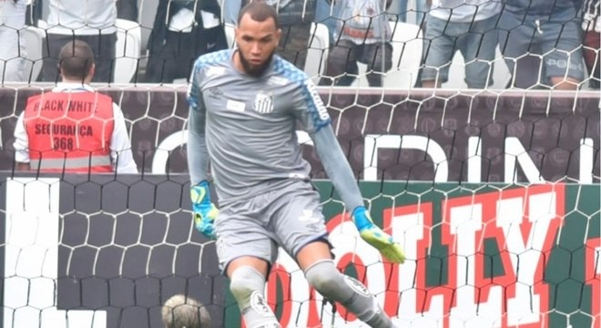 Everson, em ação contra o Corinthians, no último domingo