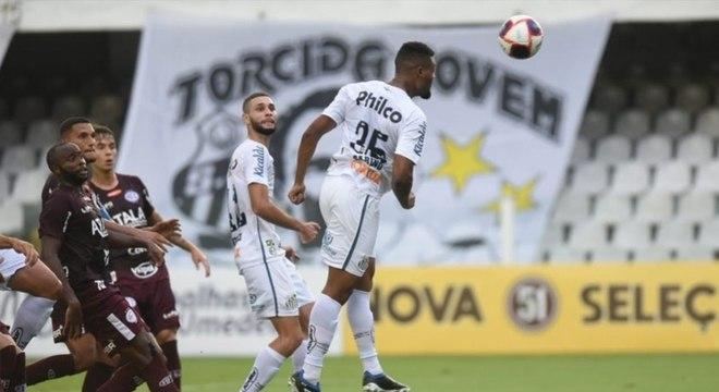 Sabino, que voltou de empréstimo do Coritiba, marcou para o Santos
