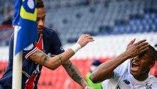 Neymar e Djaló quase se agridem após expulsões e precisam ser separados