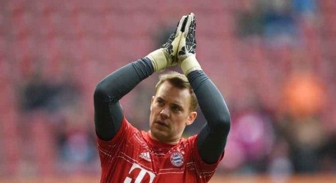 O goleiro alemão Neuer está próximo de voltar a jogar