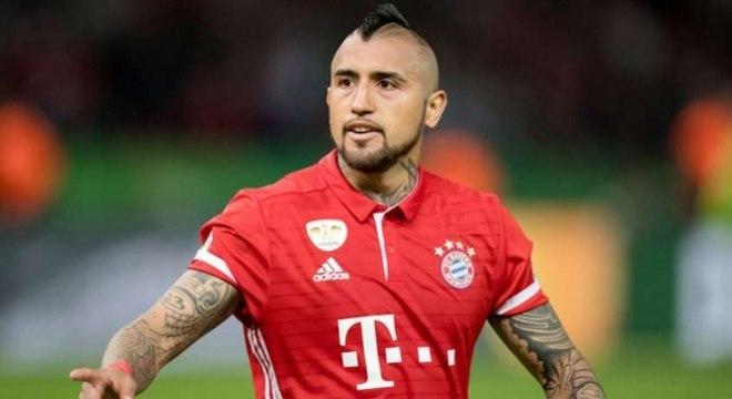 Barcelona pôs fim às especulações e anunciou o chileno