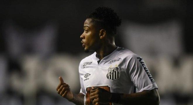 Marinho marcou o segundo gol do Peixe no empate em 2 a 2 contra o Vasco