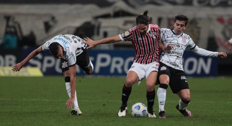 Duelo entre São Paulo e Corinthians está marcado para o dia 18