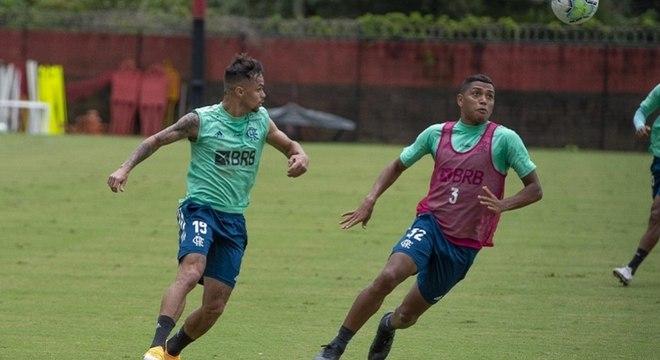 Michael e Pedro Rocha não têm dado retorno técnico ao Flamengo