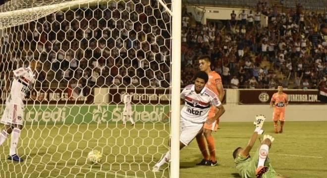 São Paulo venceu o Holanda por 7 a 2 na estreia da Copinha