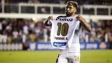 Gabigol supera Neymar e é artilheiro do Santos da década