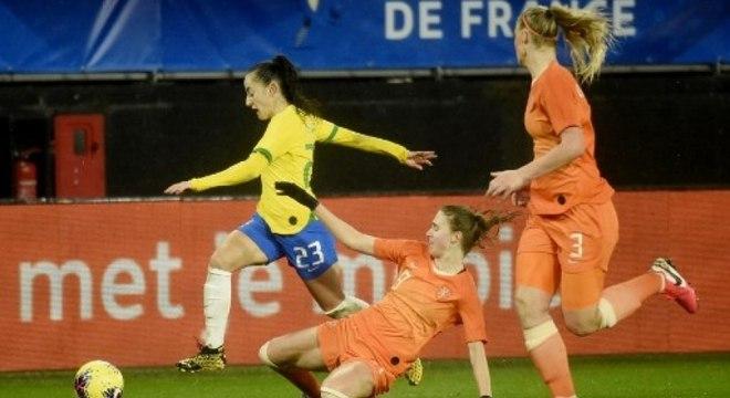 Duelo entre Brasil e Holanda terminou sem gols