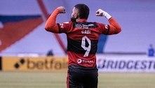 Flamengo bate a LDU em noite histórica para o clube e Gabigol