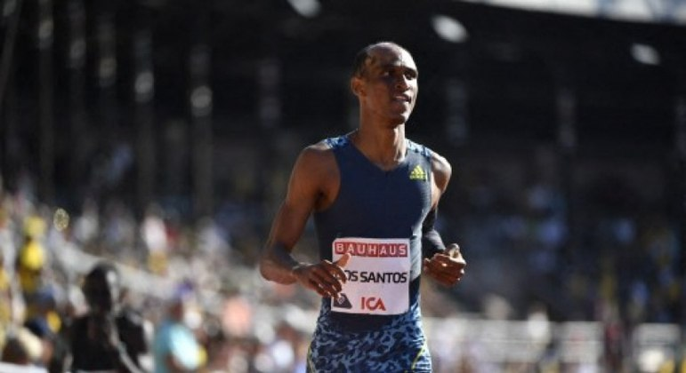 Alison dos Santos representará o Brasil na Olimpíada de Tóquio