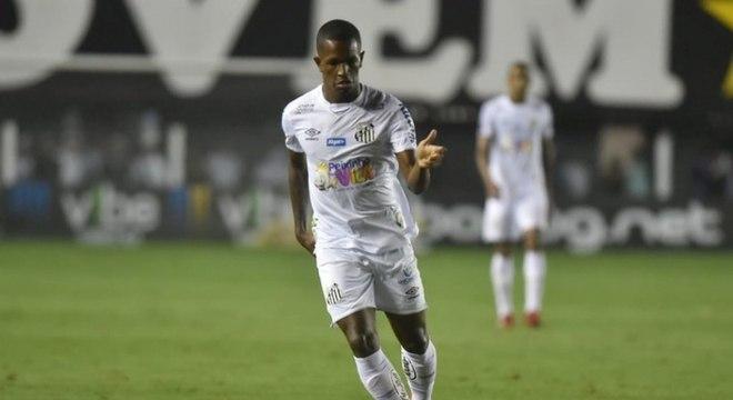Renyer jogou contra Inter de Limeira, Botafogo-SP e Ituano nesta temporada