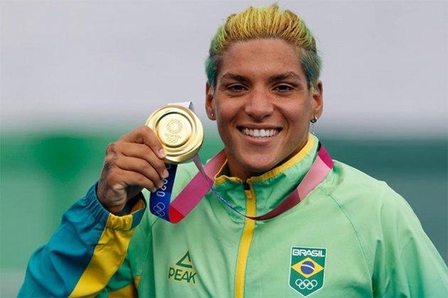 Ana Marcela Cunha conquistou o ouro na maratona aquática