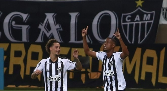 Alvinegro chegou aos 27 pontos, cinco a mais do que o vice-líder Internacional