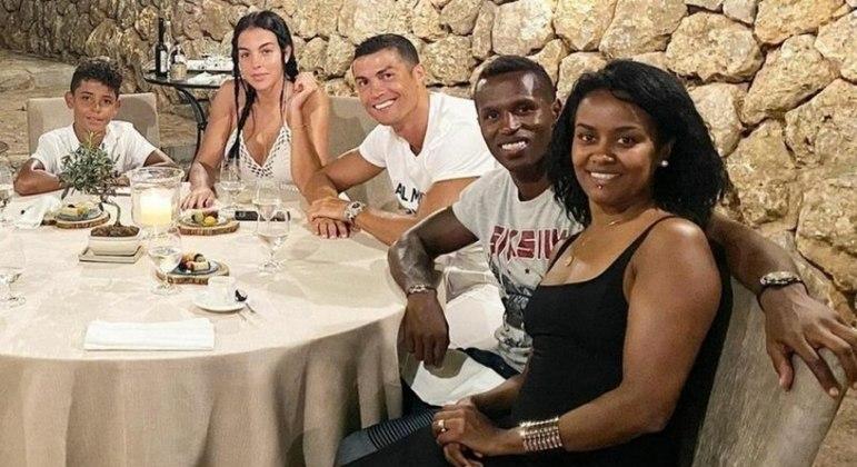 """""""Descansa em paz, minha amiga. Jamais te esqueceremos"""", postou o craque português"""