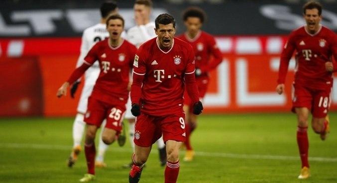 Liderados por Lewandowski, Bayern leva a competição da Fifa a sério