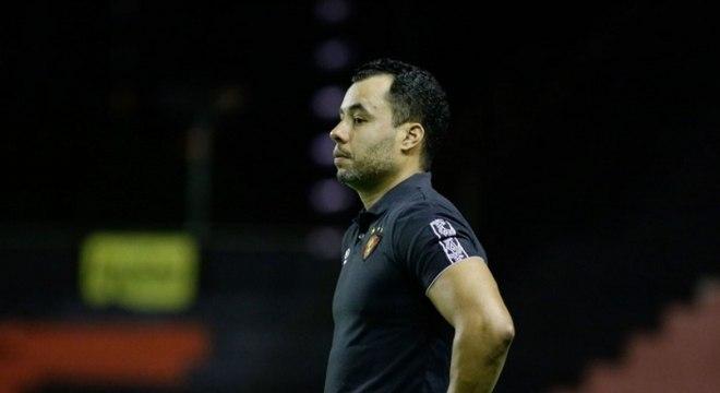 Jair Ventura não resiste após goleada e é demitido do Sport