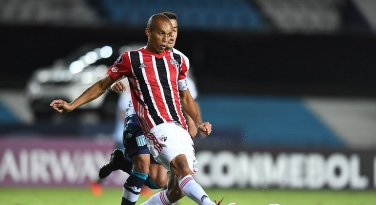 Miranda fez uma excelente partida e ajudou o São Paulo a segurar o empate