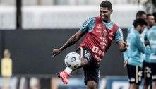 Raniel volta a ser relacionado pelo Santos após quase dez meses