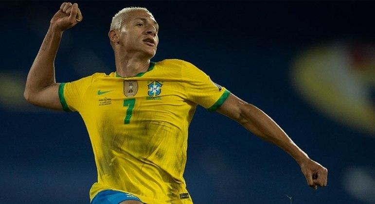 Richarlison polemizou ao dizer que Brasil 'não tem adversários'