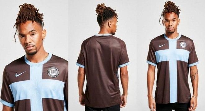Corinthians pode ter camisa inspirada no inglês Corinthians-Casuals e escudo retrô