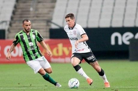 Mateus Vital foi titular do Corinthians contra América-MG