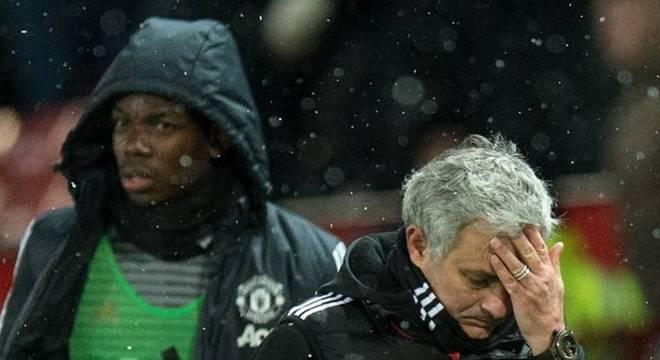 Relação conturbada entre Mourinho e Pogba ganhou novos capítulos