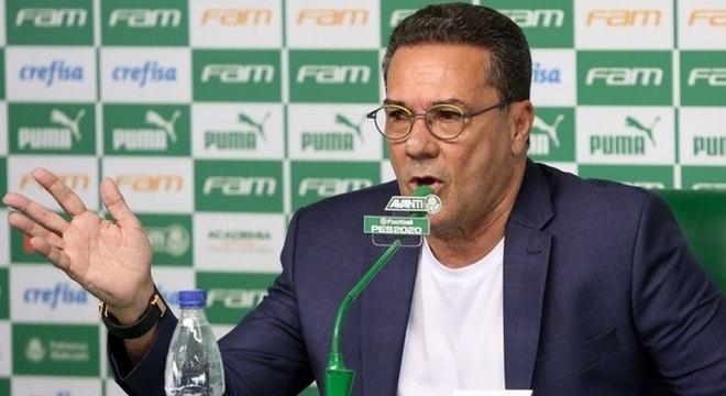 Vanderlei Luxemburgo começa nesta segunda seu trabalho no Palmeiras
