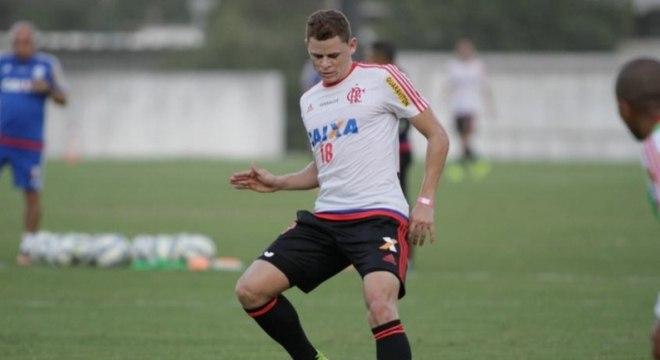 Jonas teve passagem pelo Flamengo alguns anos atrás