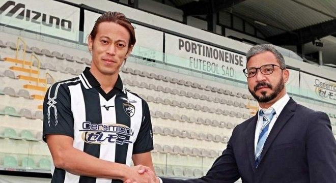 Ex-Botafogo, Honda vai brigar contra o rebaixamento novamente, dessa vez em Portugal