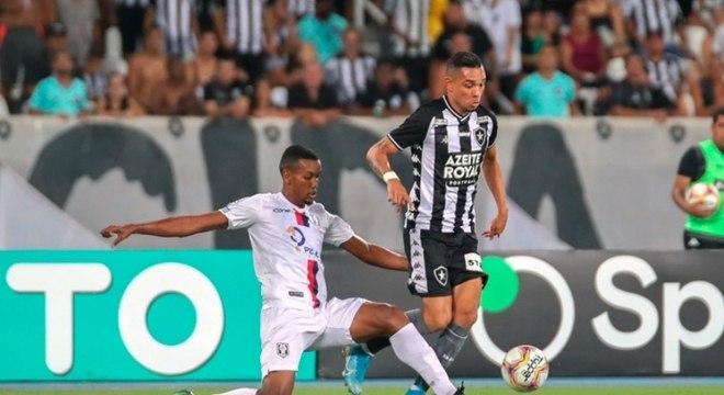 Botafogo ficou no empate na estreia do Campeonato Carioca