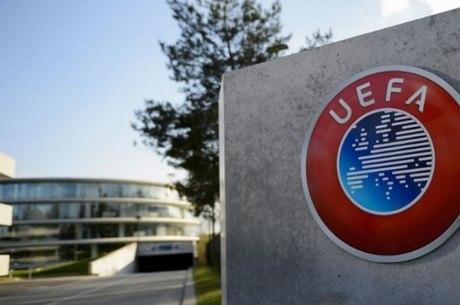 Uefa cedeu a pressão de clubes europeus