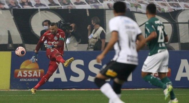 Weverton foi o destaque do Palmeiras na primeira final do Paulistão