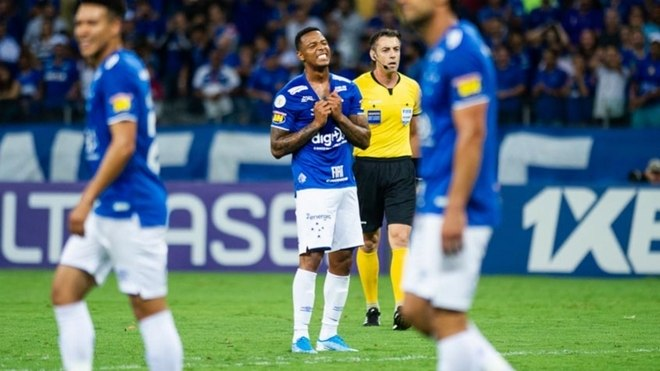 Cruzeiro: 16° colocado - 33 pontos - Cruzeiro x Avaí (16/11) / Cruzeiro x CSA (26/11) /