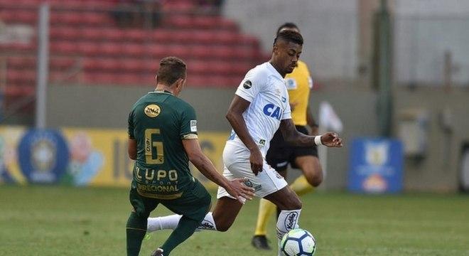 O atacante Bruno Henrique, do Santos, sofreu com lesões em 2018