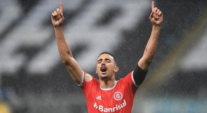 Artilheiro do Inter no Brasileirão segue na equipe