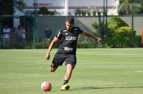 Diego Souza não está mais nos planos do São Paulo