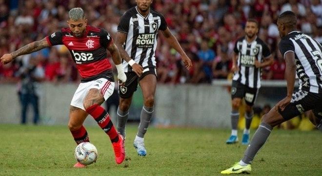 Gabigol se tornou o segundo artilheiro do Flamengo no século 21