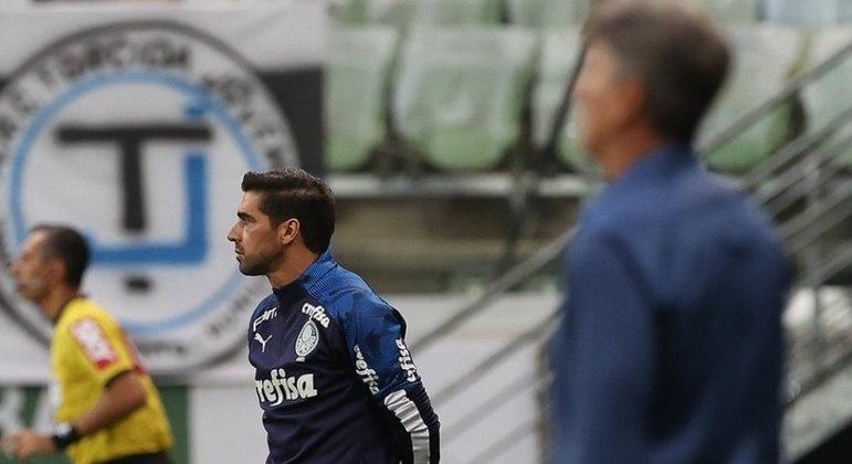Abel agradece ao Palmeiras após título: 'Agora, essa é minha família'