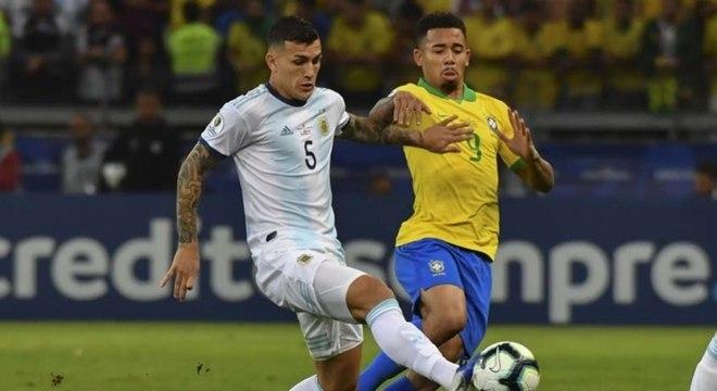 Paredese Gabriel Jesus em jogo da Copa América do ano passado