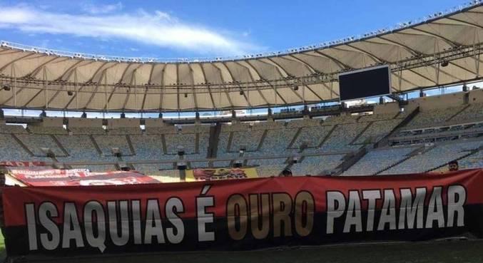 Faixa para Isaquias será exibida na arquibancada do Maracanã, neste domingo (8)