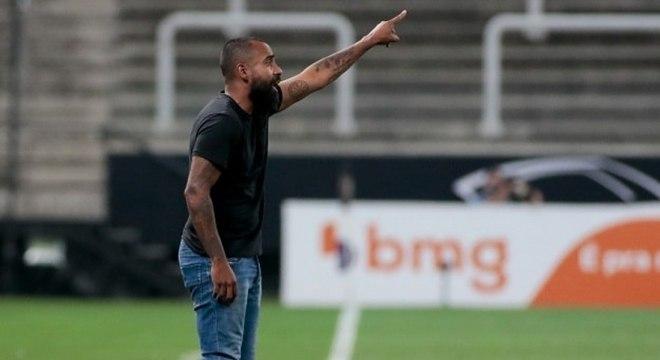 Coelho acredita que Corinthians foi melhor que o Santos no clássico