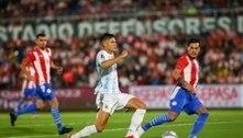 Goleiros brilham, e Argentina fica no zero com Paraguai
