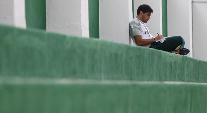 Abel Ferreira criou novo hábito na Academia de Futebol do Palmeiras