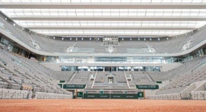 Organização de Roland Garros confirma adiamento do torneio