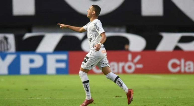 Marcos Guilherme comemora golaço que garantiu a classificação do Santos