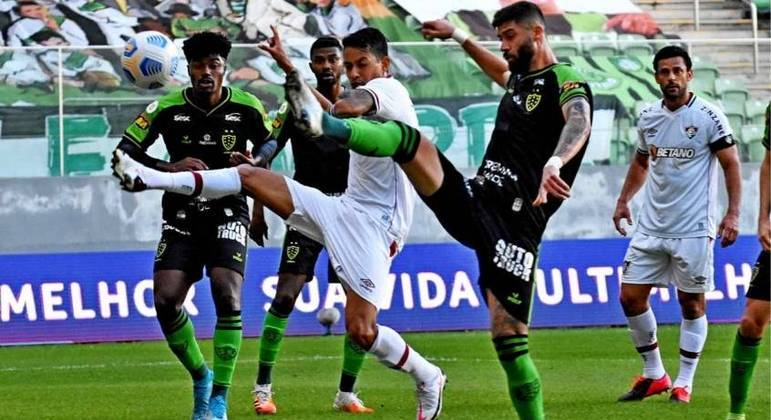 América-MG vence o Fluminense e volta a vencer no Brasileirão após mais de um mês