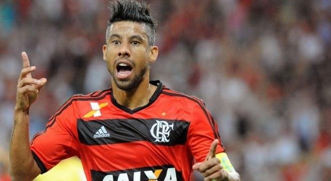 Léo Moura, ex-Flamengo e Grêmio, anunciou aposentadoria aos 42 anos