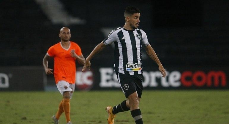 Marcinho foi expulso contra o Nova Iguaçu e vai desfalcar o Botafogo