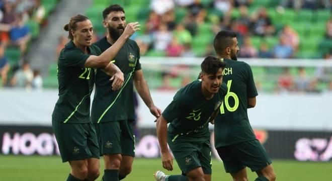 Austrália bate Hungria em último amistoso antes da Copa do Mundo ... b9cb1fc950456