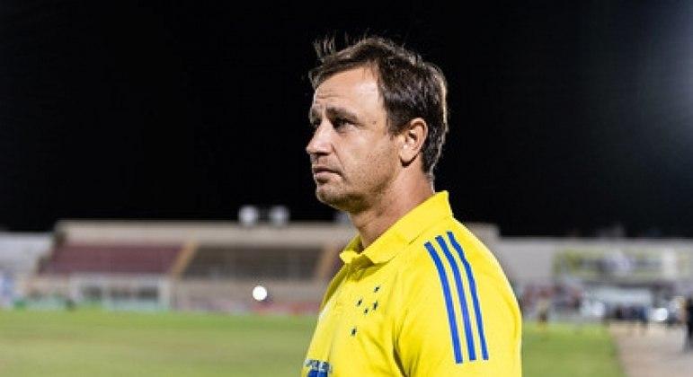 Felipe Conceição não é mais técnico do Cruzeiro